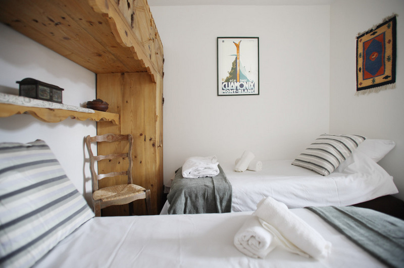 Midi Bedroom